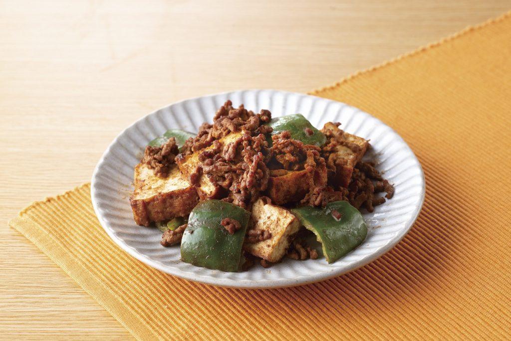 ひき肉と厚揚げのピリ辛炒めの完成写真
