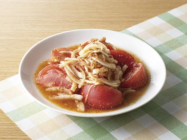 トマトと玉ねぎのごま風味サラダの完成写真