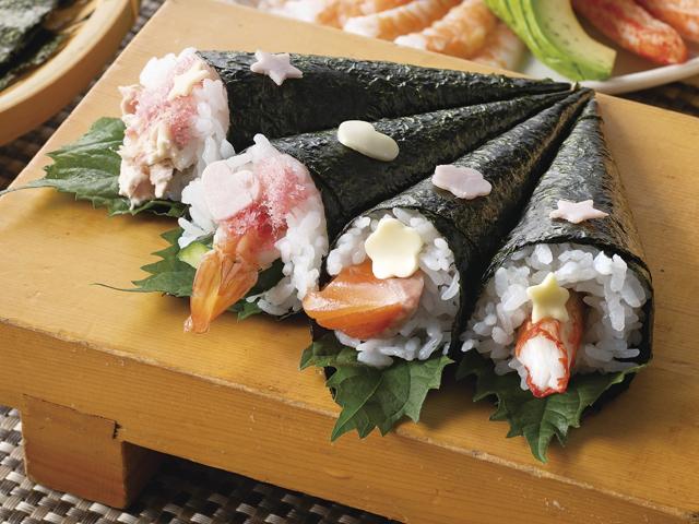 サーモンのデコ手巻き寿司の完成写真