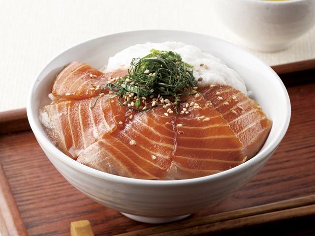 漬けサーモン丼の完成写真