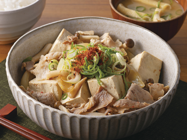 フライパンで肉豆腐の完成写真